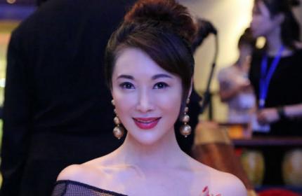 影视演员郭金为北京卓尚化妆学校送上祝福