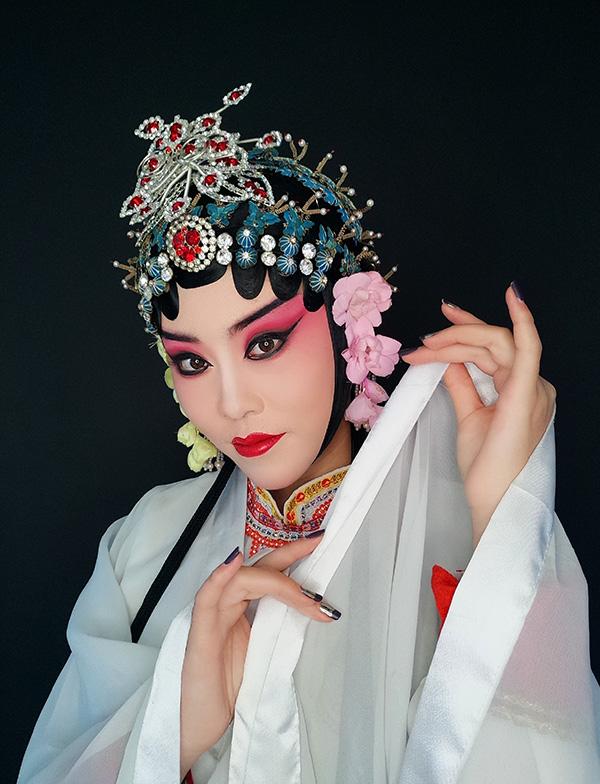 戏曲作品:青衣妆面造型